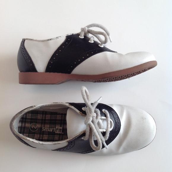 3d1fb02b02c SmartFit Classic Saddle Oxford Shoes   Sz 2 Youth.  M 5b47a05a03087c5f6938c7c7